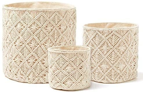 3 different sized baskets