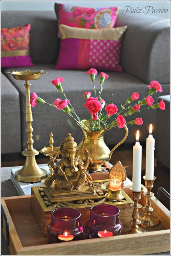 traditional coffee table decor